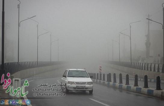 Photo of مه گرفتگی همراه با بارش باران در جادههای کشور/ تردد در شاهرود – توسکستان با زنجیر چرخ